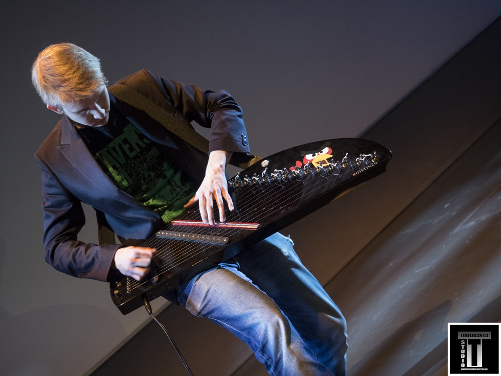 There were also music played by Anttu Koistinen. Check the new electric Finnish zither. The suond was awesome!